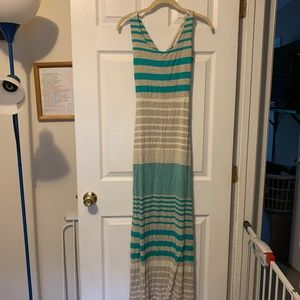 Women's Maxi with detailed back - size small